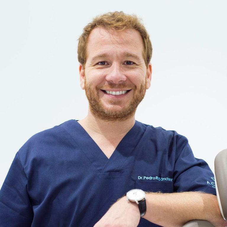 Dr. Pedro Ruiz - Implantólogo Madrid