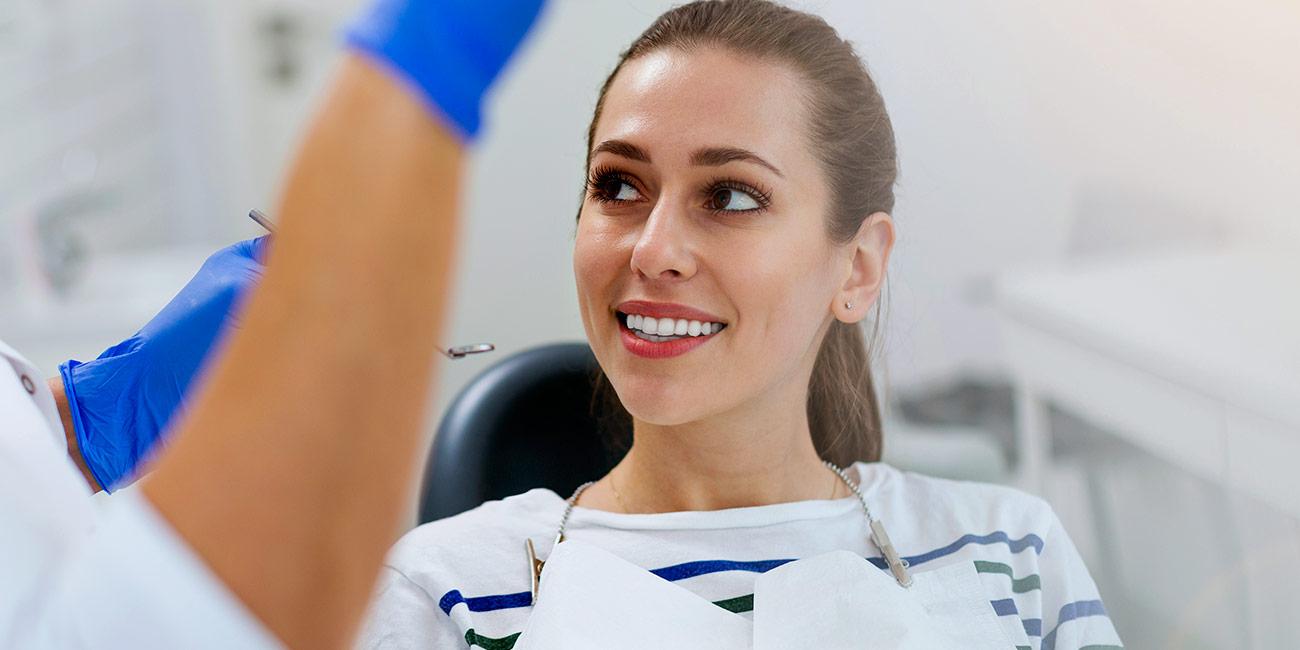 como blanquear los dientes sin dañarlos